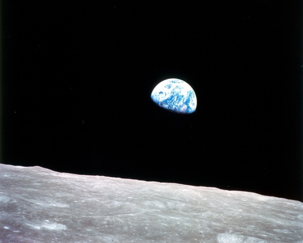 Earthrise apollo8 full