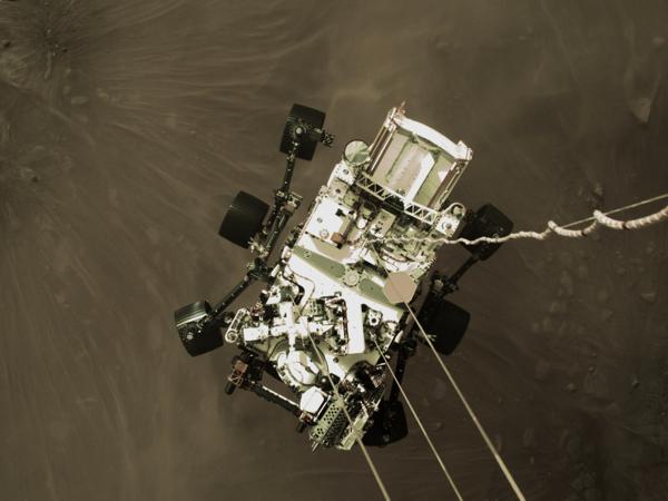 SkyCrane Lowers Perseverance on to Mars